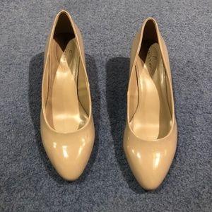 Tan ladies shoes